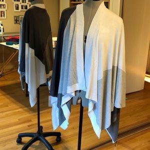 NEW Lululemon Hatha Wrap Gray Color Blocked Lovely